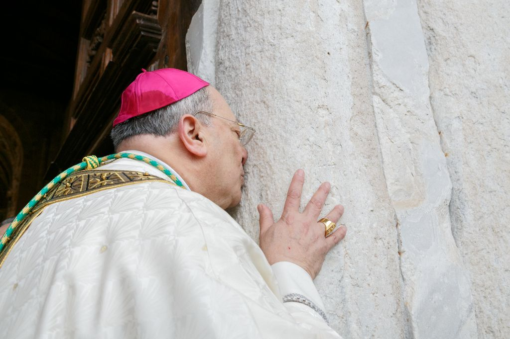 Primo-anniversario-del-Ministero-Episcopale-del-Vescovo-Giuseppe